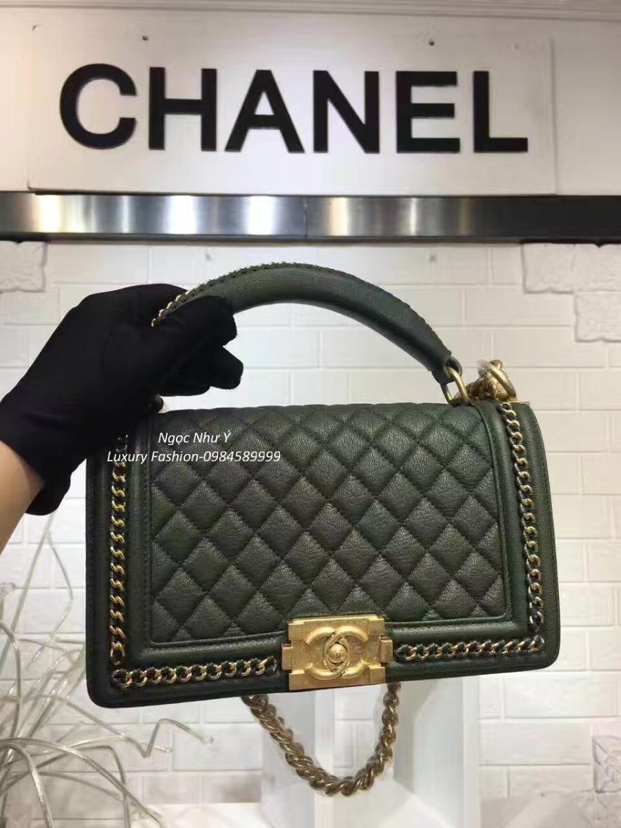 Túi Chanel Boy Medium with Handle in Calfskin + Ruthenium Metal màu xanh rêu